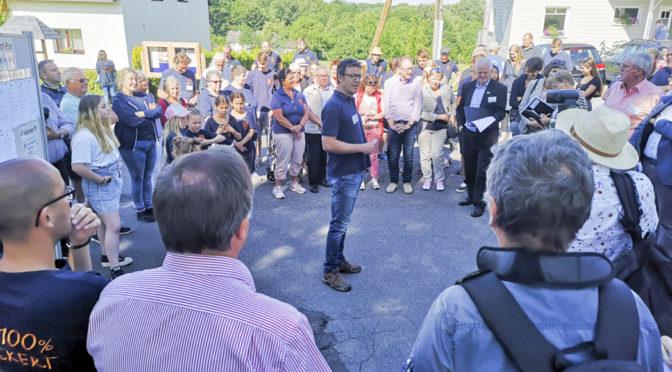 """Begehung der Bundeskommission zu """"Unser Dorf hat Zukunft"""""""